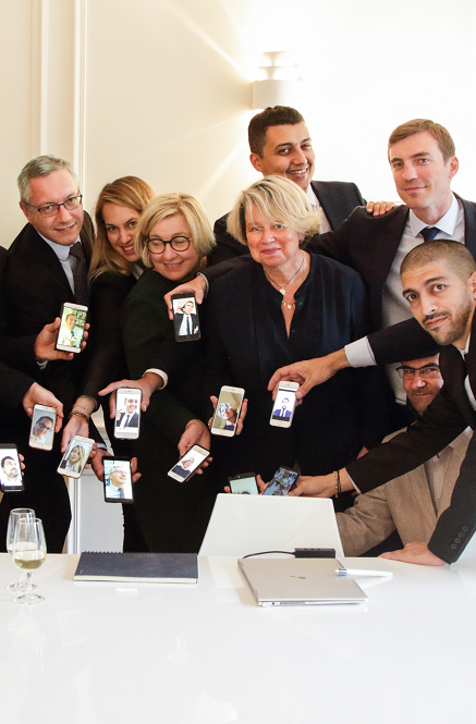 photo siège réunion - équipe selfies 5